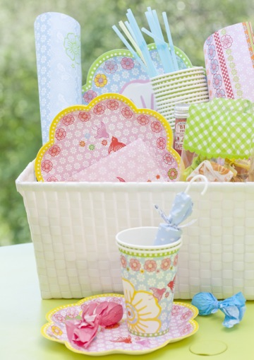 Pretty floral print paper cup set pale pink by for Pappgeschirr set